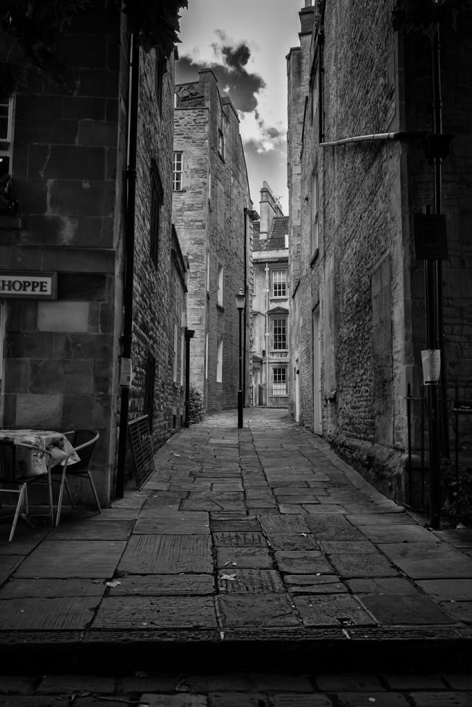 bath alleyway - UK street Photography