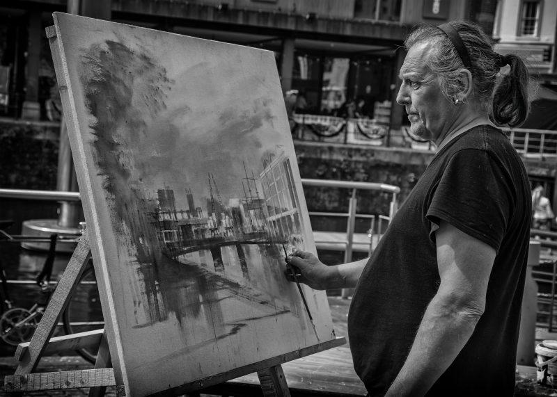 Street portrait - harbour artist